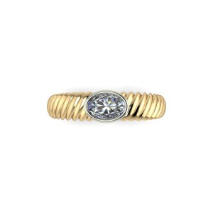 Yellow gold east-west oval diamond ring